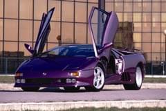 Lamborghini Diablo отстрани