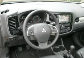 Mitsubishi Outlander от вътре