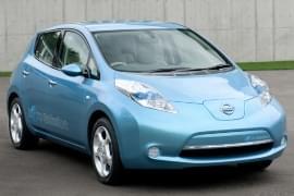 Напред с Nissan Leaf