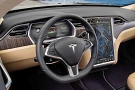 Tesla Model X P85+ отвътре