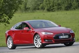 Tesla Model X P85+ отпред