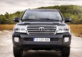 Toyota Land Cruiser изглед отпред